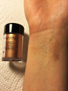 wet n wild coloricon loose pigment ride on my copper swatch