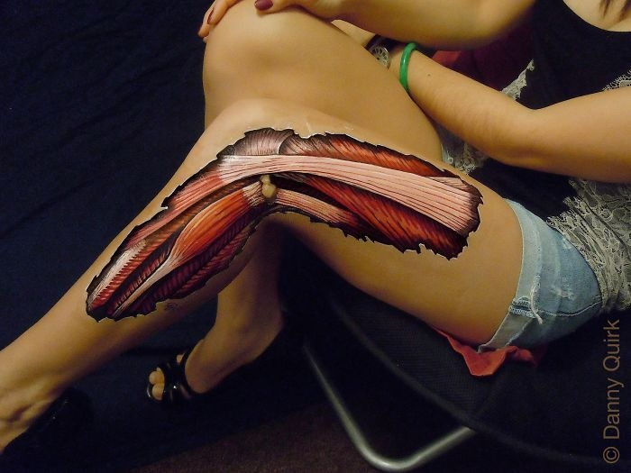 03-Danny-Quirk-Anatomy-Explored-with-Body-Painting-www-designstack-co