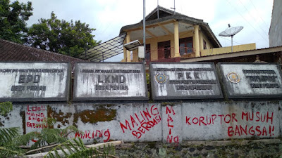 Desak Oknum Kawil Mundur, Pemuda: Desa Lain Mungkin Kantornya Dibakar
