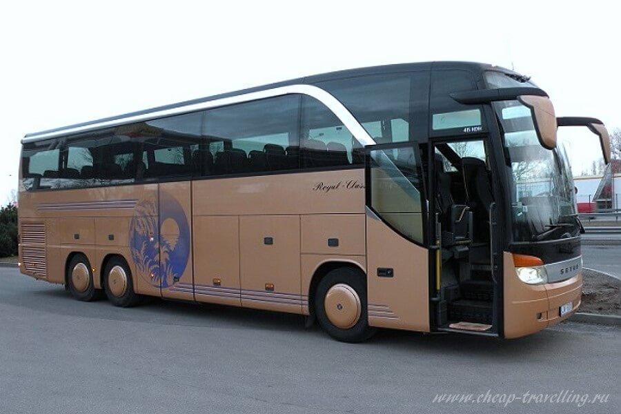Рейсовый автобус фото