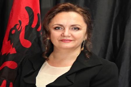 Oltre 50 albanesi uccisi dal coronavirus negli Stati Uniti, afferma l'ambasciatric albanese