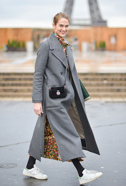 foral maxi, white sneakers, long grey coat, fall 2016, street style, spring 2016, trends, fashion week, NYFW, PFW, LFW, new york fashion week, paris fashion week, london fashion week