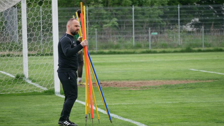 Trener Piotr Tworek przed meczem z Cracovią | foto: Piotrek Przyborowski / aosporcie.pl