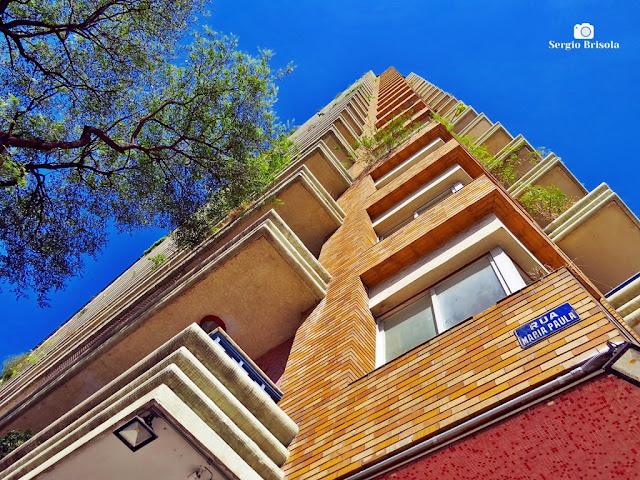 Perspectiva inferior da fachada de esquina do Edifício Planalto - Bela Vista - São Paulo