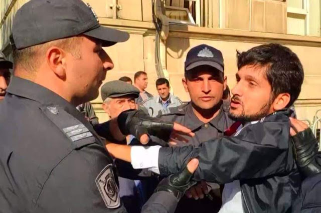 Enorme manifestación reprimida en Bakú
