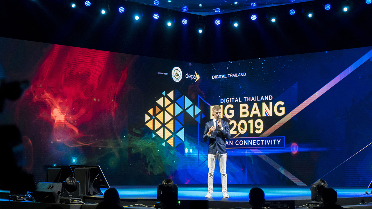 Evgeniy Zhukovets on Startup ASEAN Pitching: Runway to Web Summit Thailand at International Digital Thailand Big Bang Exhibition: ASEAN Connectivity 2019