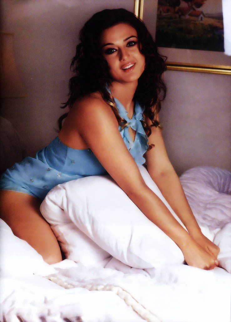 Sexy Photo Of Priti Zinta