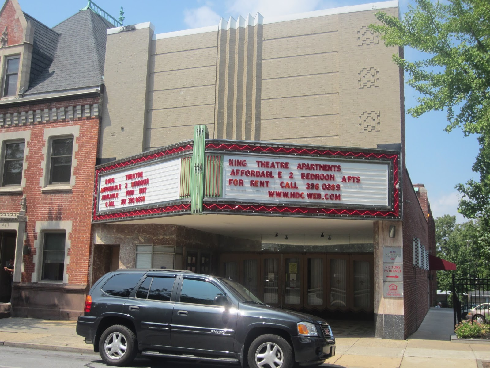Movie Theatres in Lancaster, PA. Not all of Lancaster County is gorgeous farmland and Amish attractions - you can also catch the latest flick in a movie theatre in Lancaster County, PA.