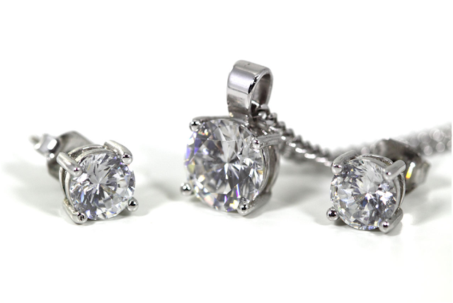 Top 5 Contemporary Fine Diamond Jewelry Pieces