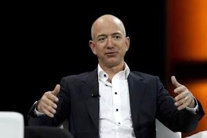 جيف بيزوس مالك شركة أمازون يتفوق على بيل غيتس ليصبح أغنى رجل في العالم