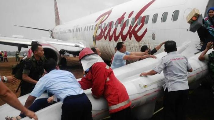 "VIDEO Penumpang dan Pramugari ""Batik Air"" Berantem Di Dalam Pesawat ..."