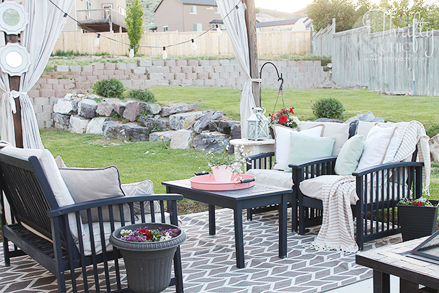 DIY Drop Cloth patio cushion slipcovers. Easy tutorial on how to make new slipcovers out of drop cloths for patio seats or cushions! Budget friendly ways to update your patio.