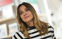 Ambra Angiolini e l'amore per Allegri: «A 42 anni ho gli occhi a cuore ma non sento l'esigenza di sposarmi»