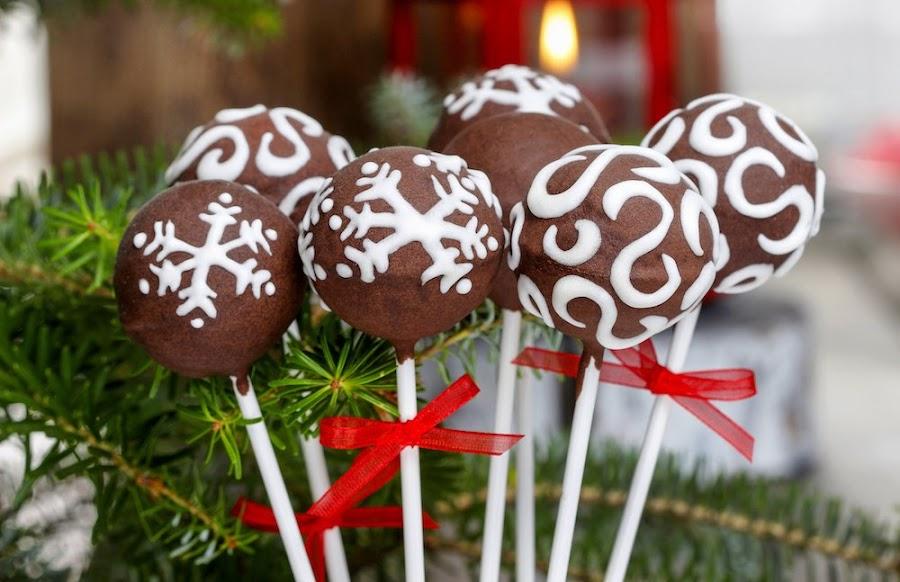 Piruletas de chocolate navideñas