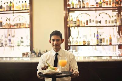 إعلان فرص عمل في نزل الخيام (SNC HOTEL ELKHEYEM) بولاية قسنطينة عن رغبته في توظيف 05 عامل في مطعم (Serveur de Restaurant) في إطار عقد CDD.