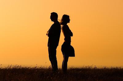 7 Tanda Pasangan Sudah Tidak Sayang Lagi Padamu