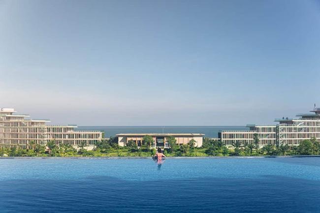 FLC Sầm Sơn - Bể bơi vô cực