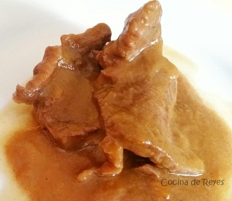 Ternera en salsa de cebolla cocina de reyes - Filetes de ternera en salsa de cebolla ...