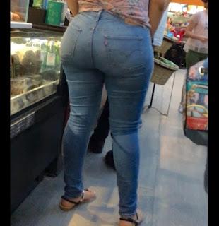 Chava caderona jeans apretados