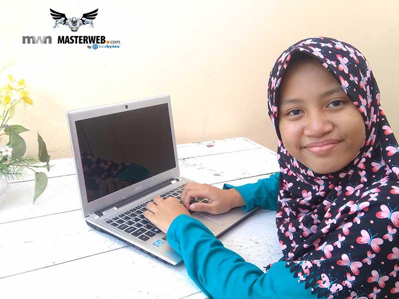 Akhirnya Ayunda Punya Website Sendiri