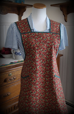 https://www.etsy.com/listing/738662716/red-and-green-calico-vintage-style-apron?ref=hp_rv-3&pro=1