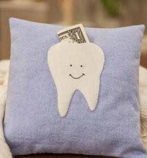 http://manualidadesreciclables.com/12302/almohadon-para-el-hada-de-los-dientes