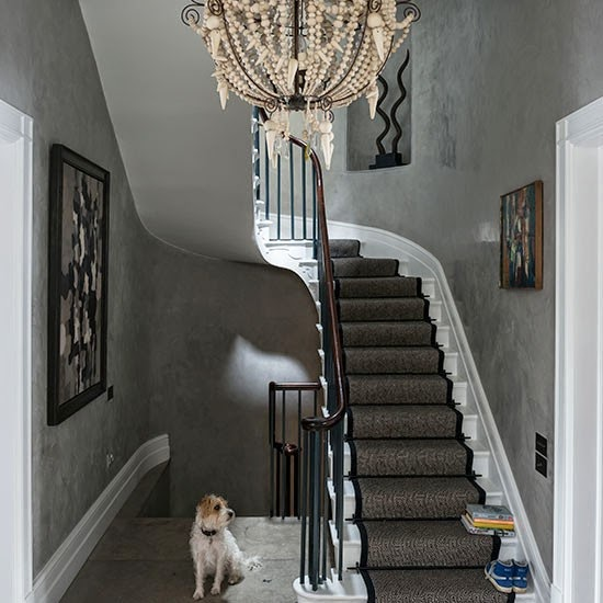 Cara Mendekorasi Lorong Rumah: 5 Ide Desain Tata Ruang Lorong Lantai Bawah Rumah