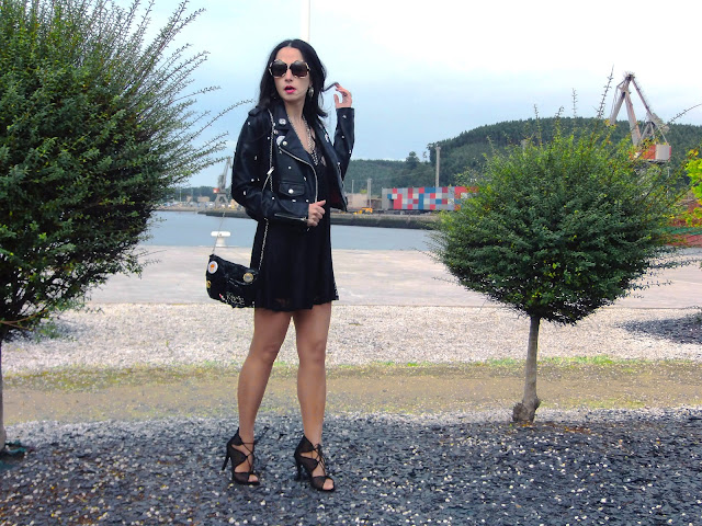 fashion, moda, look. outfit, blog, blogger, walking, penny, lne, style, streetstyle, estilo, rock, cool, chic, party, trendy, lbd, LBD, sandals, christmas, holiday, navidad, fiesta, photo, biker, DIY, brilli, inspiration