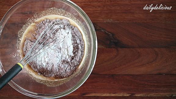 Dailydelicious Chocolate Chiffon Cake With Vanilla