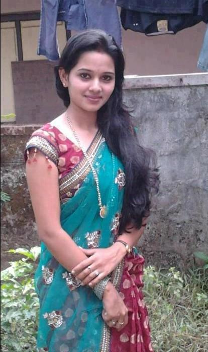 Desi Good Looking Teen Nude Photo 67