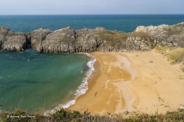 Playa de Somocuevas, Costa Quebrada - Cantabria, por El Guisante Verde Project