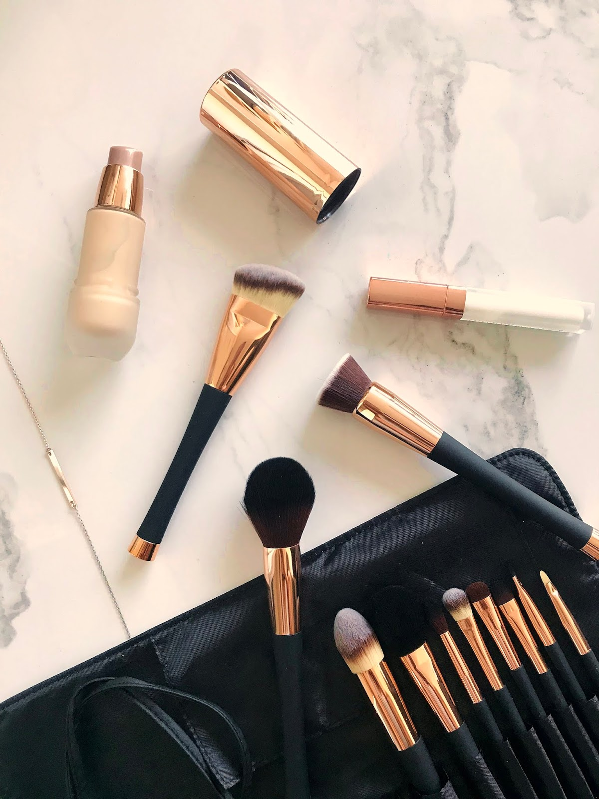 18c6a29f85e5d Today s post is about the prettiest rose gold makeup brushes from Fancii.  The set I m featuring in this post is the Aria Professional Makeup Brush ...