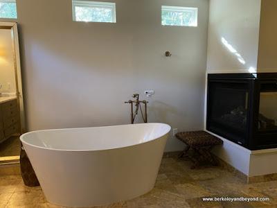 jetted bathtub at Kenwood Inn & Spa in Kenwood, California