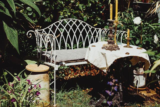 "Garden bench <span>Photo by <a href=""https://unsplash.com/@baronmarinkovic?utm_source=unsplash&amp;utm_medium=referral&amp;utm_content=creditCopyText"">Aleks Marinkovic</a> on <a href=""https://unsplash.com/s/photos/garden-bench?utm_source=unsplash&amp;utm_medium=referral&amp;utm_content=creditCopyText"">Unsplash</a></span>"