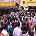 अयोध्या की हनुमानगढ़ी में उमड़ा श्रद्धालुओं का सैलाब, कोरोना प्रोटोकॉल की उड़ी धज्जियां