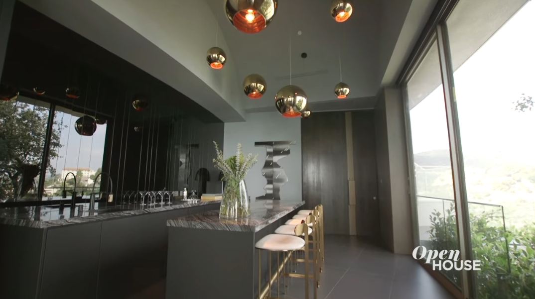 151 Photos vs. Tour 12255 Sky Ln, Los Angeles, CA Ultra Luxury Modern Mansion Interior Design