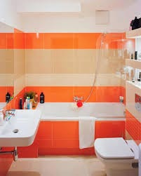 Baño color naranja