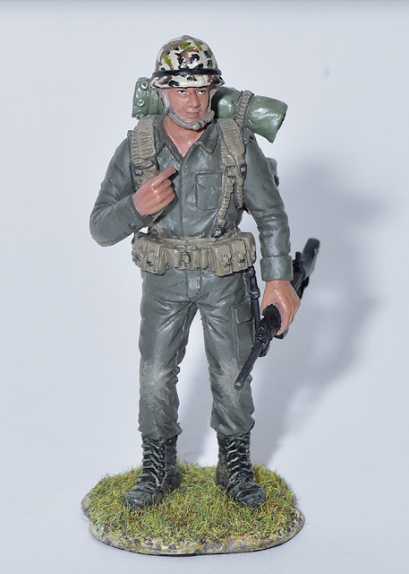 osw.zone Local Firmenmarken 50 years of national service with a series of miniatures of Singapore soldiers
