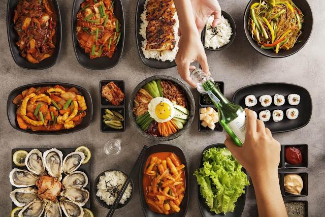 """Cho dù là kim chi, bánh gạo, mì ramyeon hay bất kì những món ăn nổi tiếng nào của Hàn Quốc thì hầu như đều """"thấp thoáng"""" bóng dáng của các loại gia vị sau đây."""