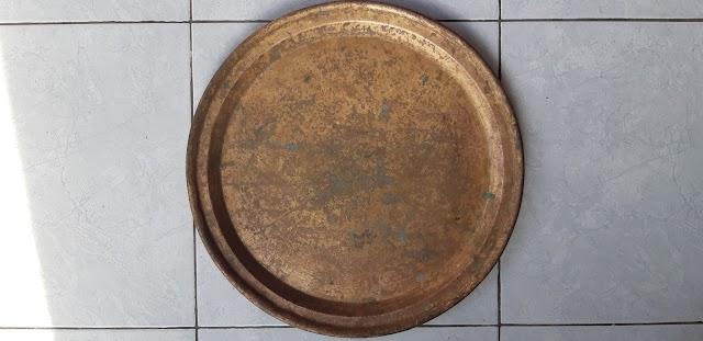 Barang antik, nampan kuno (usia 100-an tahun)