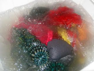 Mencuci Pakaian dengan Ecowash Laundry Ball