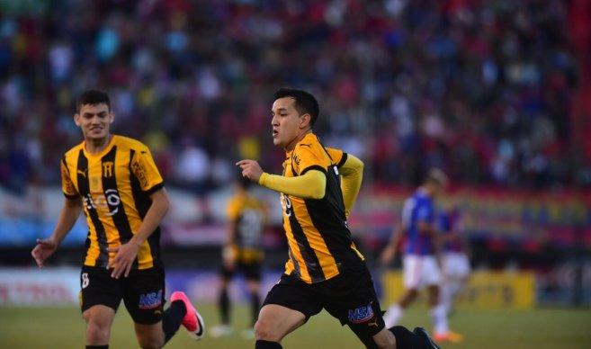 Guaraní fue una máquina y humilló 4-0 a Cerro Porteño