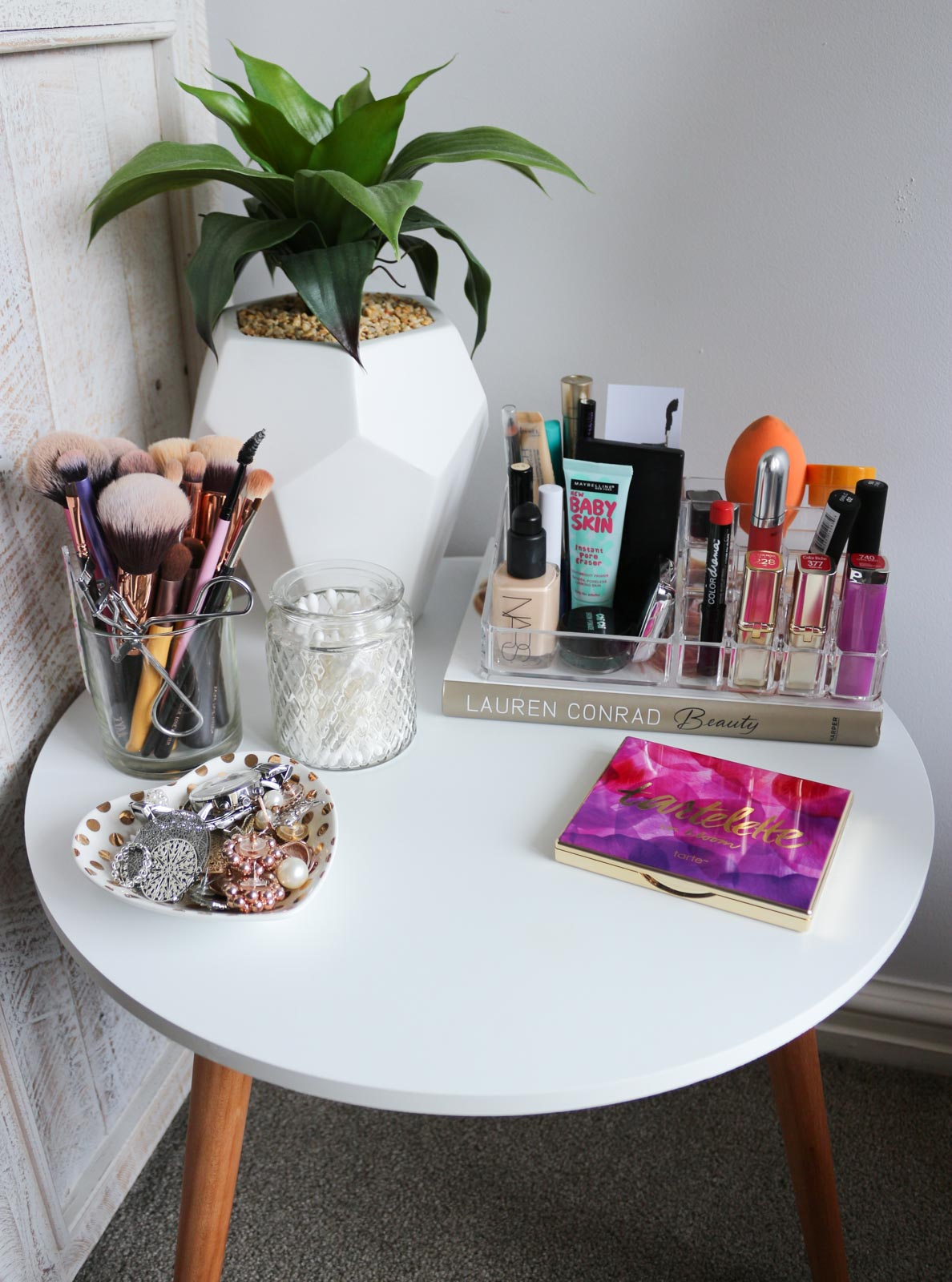 My New Beauty Set-Up | Cate Renée