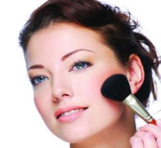 Pantangan Setelah Facial Menggunakan Make Up atau Riasan Wajah