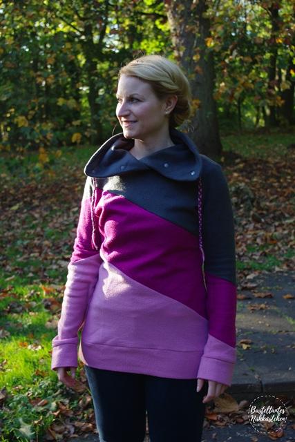 Frau mit Hoodie Shirt Lady Rockers schräg geteilt Rosa Pink Grau  mit Kragen Schnittmuster von Mamahoch2 selbst genäht Damen Sweatshirt Fleece Pullover  5