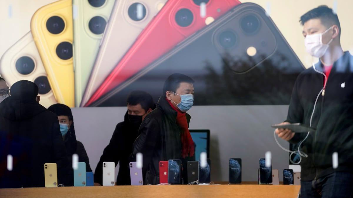 Global Smartphone Sales Fell 14 Percent in February as Coronavirus Spread