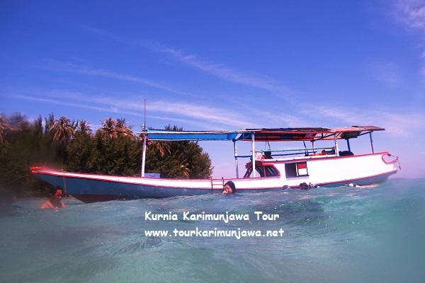 kapal wisata keliling pulau karimunjawa