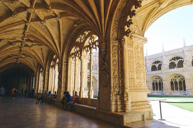 ジェロニモス修道院(Mosteiro dos Jerónimos)|回廊1階
