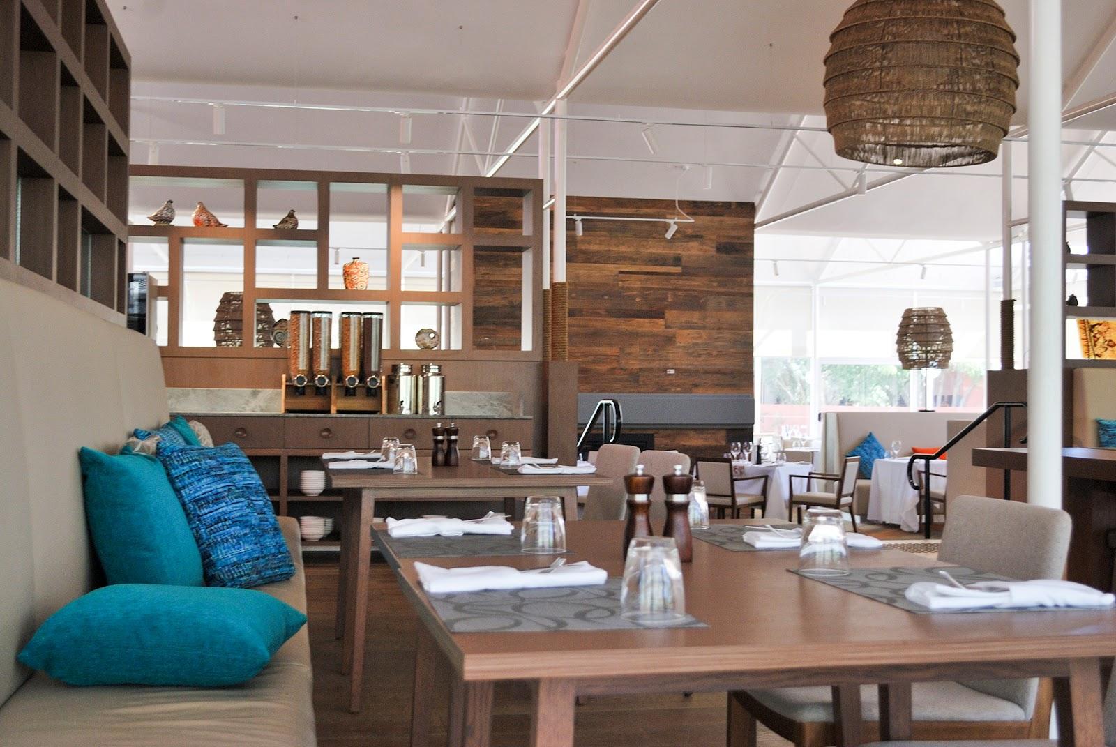 uluru australia outback desert gardens hotel mangata bistro restaurant