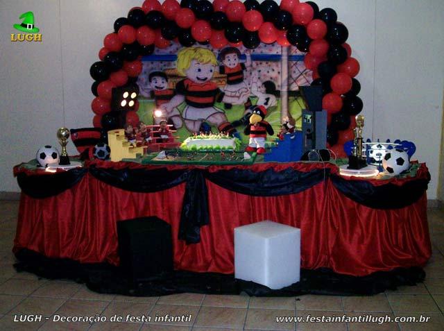 Decoração masculina festa de aniversário tema Flamengo - Mesa tradicional de tecido(pano)